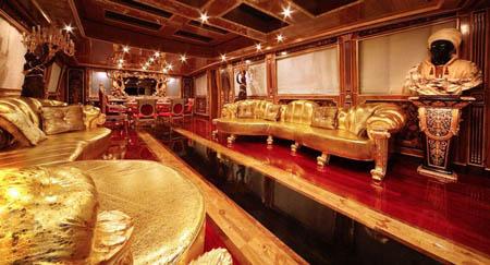 MEGAJAHTE U JADRANU: Standarte – ploveći Ermitage Standarte Desna strana salona