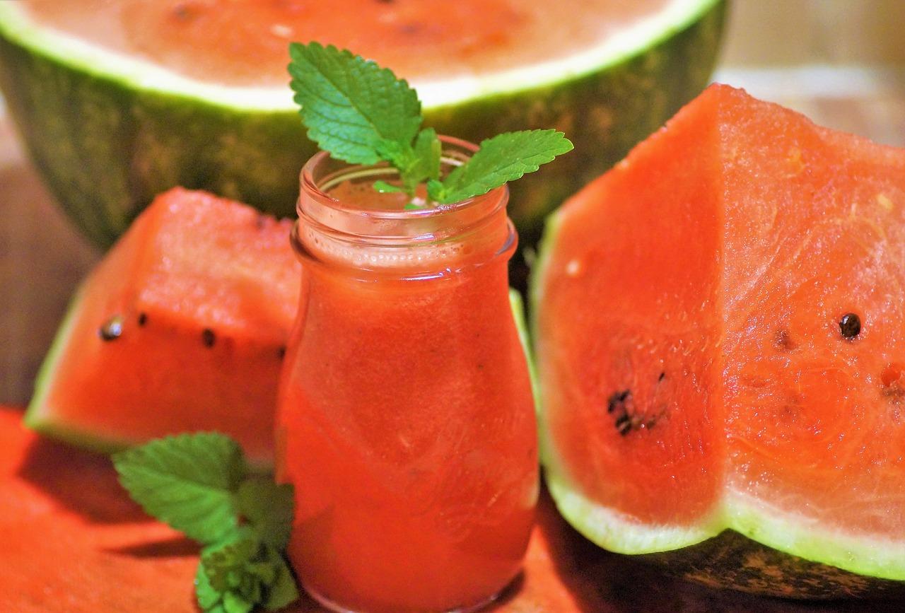 Osvježavajući sokovi od jagoda, lubenica i limuna sa melisom, matičnjakom i bosiljkom melon g9b2054b1b 1280