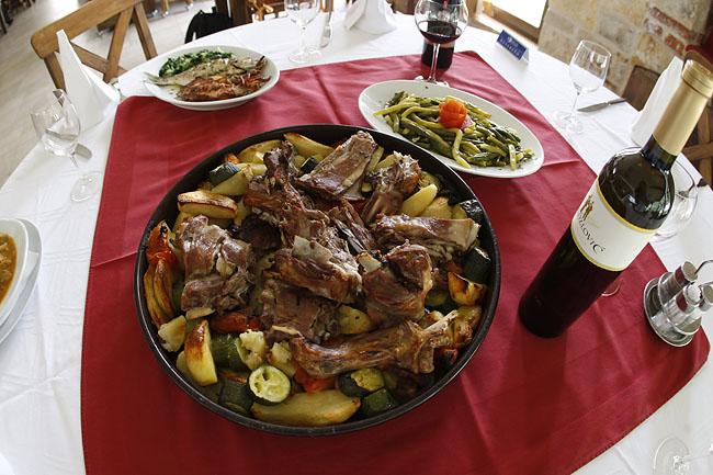 Janjetina ispod peke Foto:  Restoran Fortuna Zadar