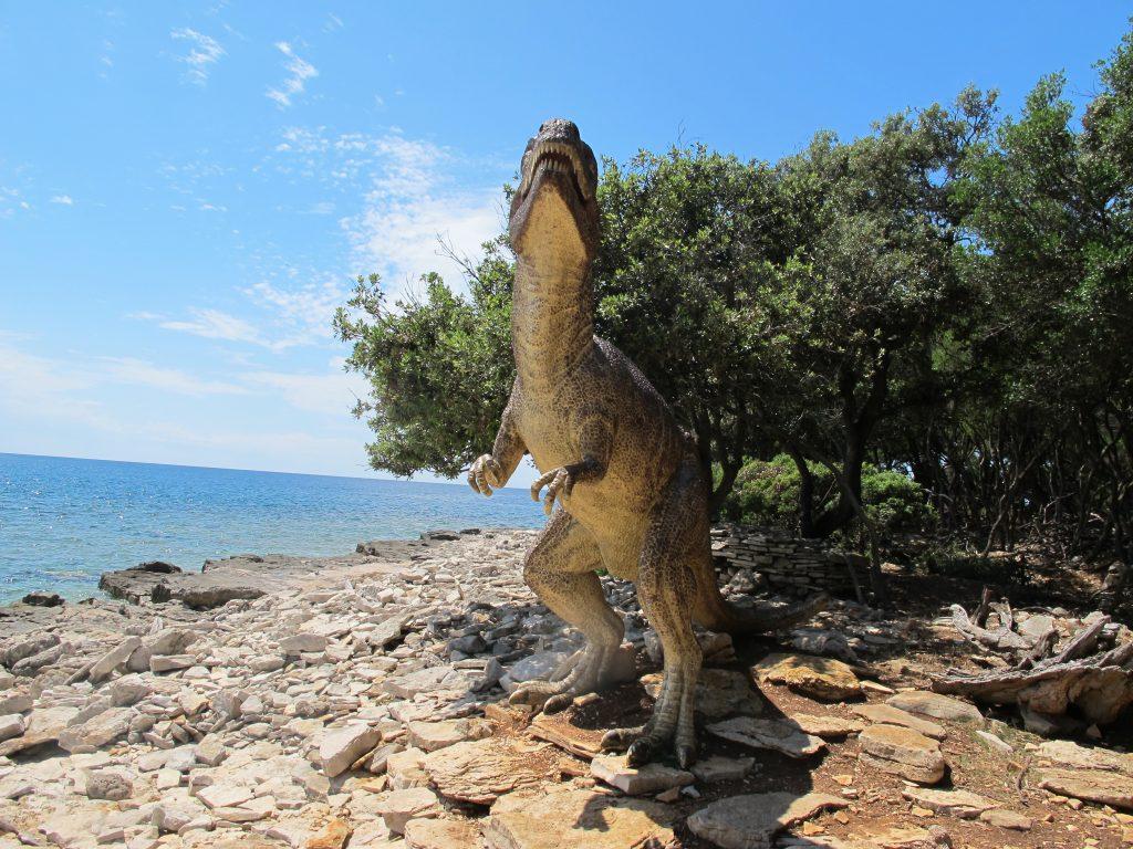 MISTERIJI JADRANA: Brijuni - od močvarnog otoka s malarijom do luksuznog turizma Dinosaurus