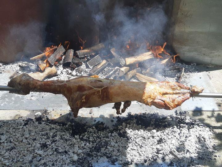 Kako dobro ispeći janje na ražnju Janjetina... kod Josnovih u Kosinjskom Bakovcu