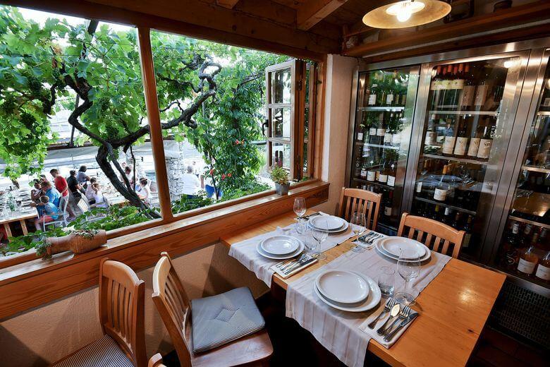PLAN PLOVIDBE: Slow food i konobe u zemaljskom raju Kornata Konoba Opat loza i vinoteka Snimio Boris Kovacev