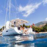 Ljetovanje na brodu u charteru: organizacija najma i planiranje plovidbe