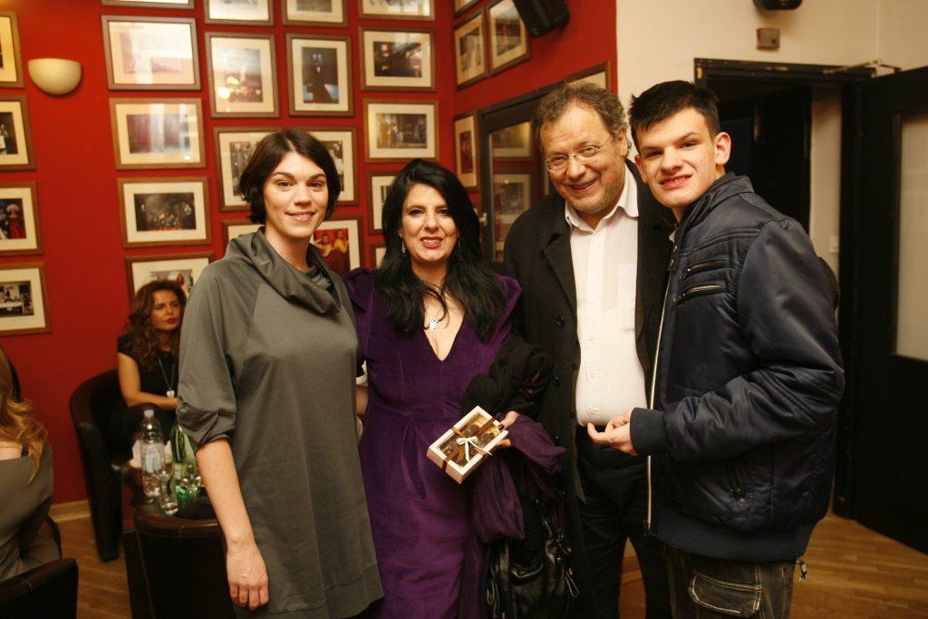 "Na promociji knjige ""Srodne duše"" Iris Tarbuk u Gavelli marija skaricic iris mladen tarbuk i darel web"